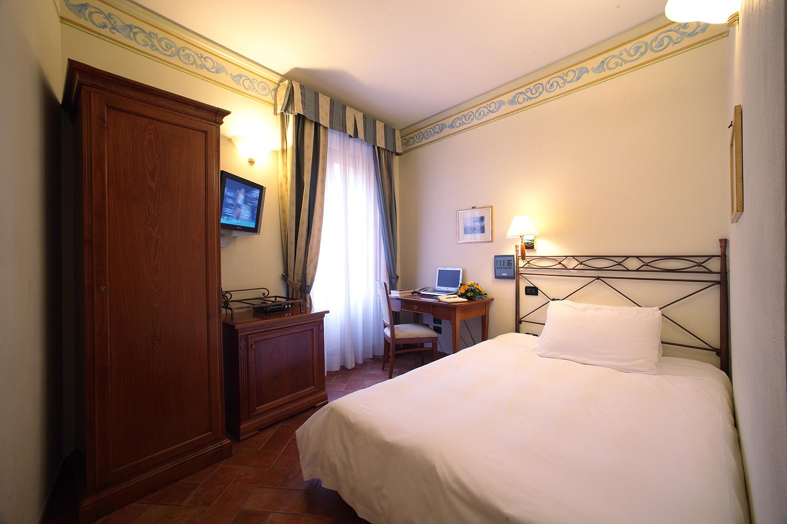 Connecting Rooms Davanzati Hotel: Single Room ‹ Davanzati Hotel