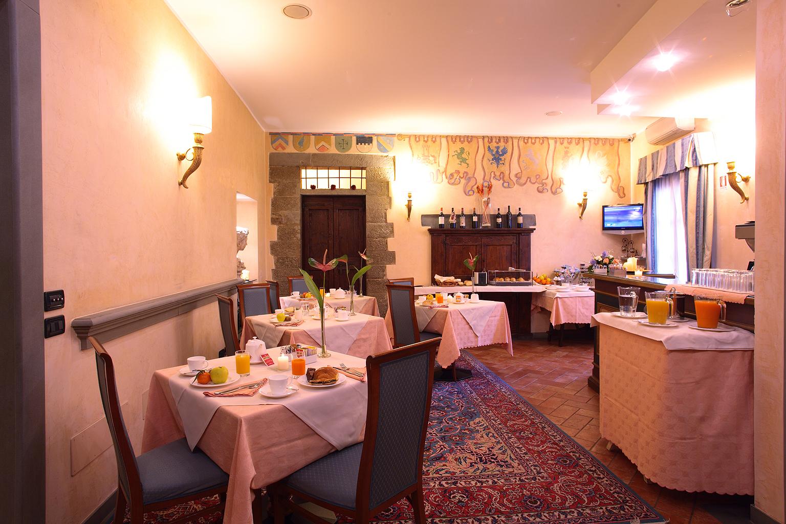 Connecting Rooms Davanzati Hotel: Breakfast Room ‹ Davanzati Hotel